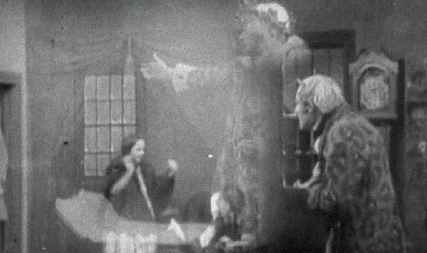 The Actors Children movie scenes The earliest version of A Christmas Carol I managed to track down was this 1910 short film directed by J Searle Dawley for none other than Thomas Edison s