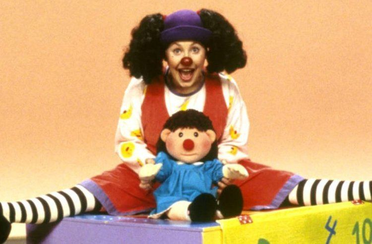 Big Comfy Couch Coloring Page - Coloring Home   492x750