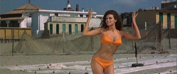 The Biggest Bundle of Them All The Biggest Bundle of Them All 1968 Ken Annakin Vittorio De Sica