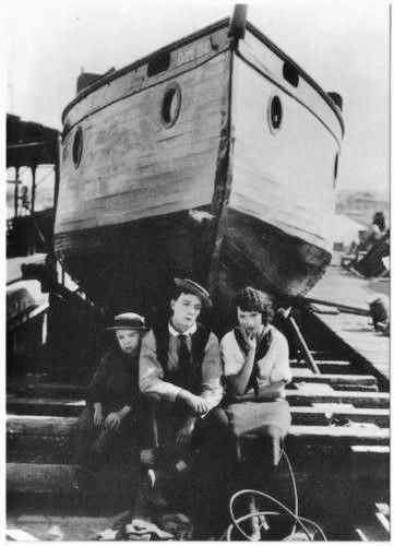 The Boat (film) 119 best Busters The Boat images on Pinterest The boat Silent