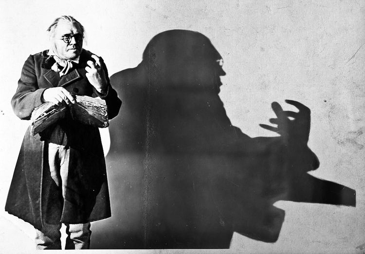 The Cabinet of Dr. Caligari The Cabinet of Dr Caligari Film Analysis Context is Everything