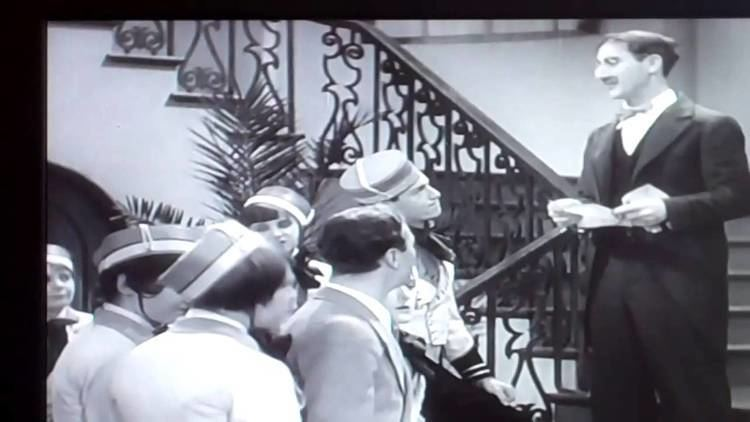 The Cocoanuts The Marx Bros Reviews1 The Cocoanuts 1929 YouTube