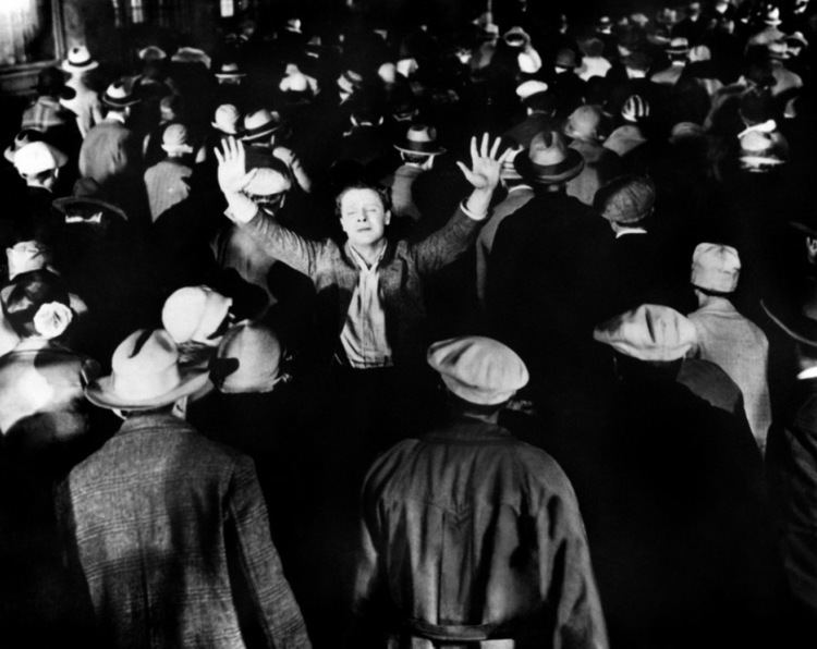 The Crowd (1928 film) Streamline The Official Filmstruck Blog The Story of Film The
