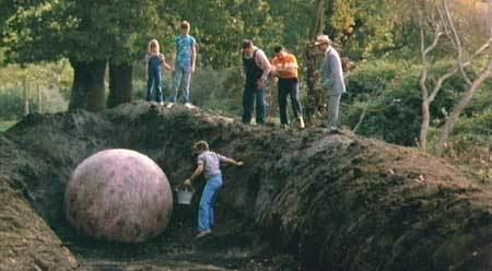 The Curse (1987 film) Film Review The Curse 1987 HNN