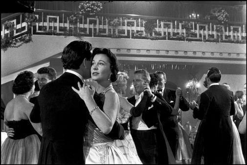 The Deep Blue Sea (1955 film) Critics At Large The Deep Blue Sea Reduced Rattigan