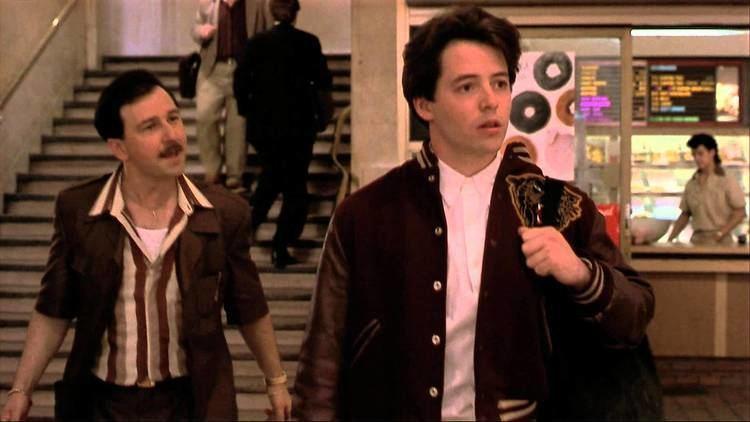 The Freshman (1990 film) The Freshman 1990 Trailer YouTube