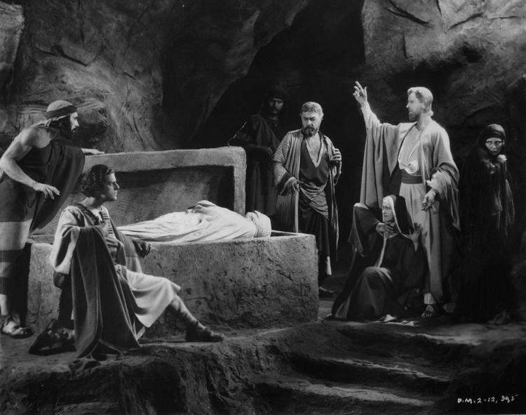 The King of Kings (1927 film) The King of Kings 1927 is a silent film directed by Cecil B
