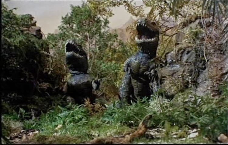 The Land That Time Forgot (1975 film) movie scenes The Land That Time Forgot 1975 was one of two Amicus fantasy adventure films that Roger worked on providing the smaller dinosaur miniatures