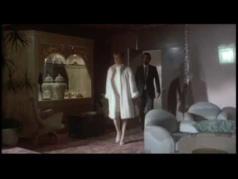 The Man Who Loved Women (1983 film) The Man Who Loved Women Trailer YouTube