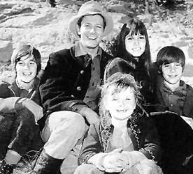 The Monroes (1966 TV series) the rounders tv western show The Monroes TV Show ABC The Monroes