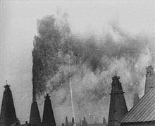 The Oil Gush in Balakhany httpsuploadwikimediaorgwikipediacommonsthu