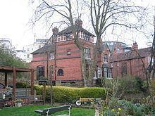 The Park Estate httpsuploadwikimediaorgwikipediacommonsthu