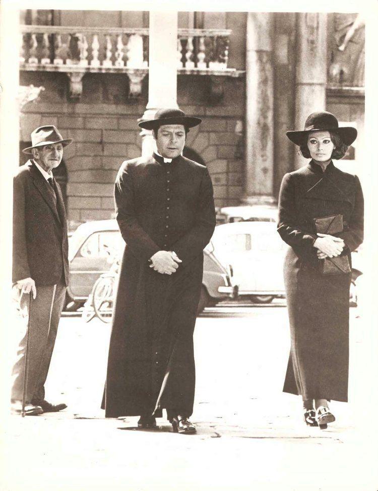 The Priest's Wife SOPHIA LOREN MARCELLO MASTOIANNI in The Priests Wife Original