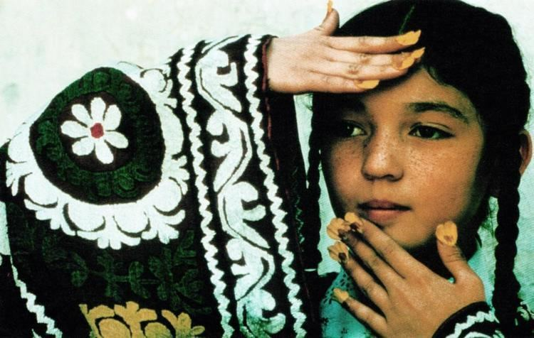 The Silence (1998 film) movie scenes THE SILENCE aka SOKOUT Nadereh Abdelahyeva 1998 New Yorker