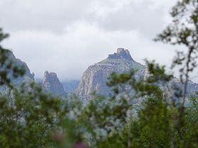 Thimble Peak httpsuploadwikimediaorgwikipediacommonsthu