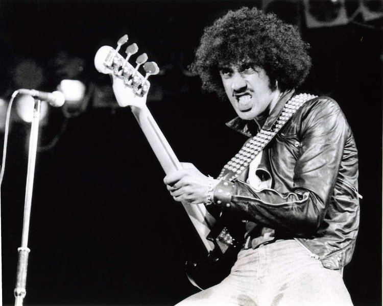 Thin Lizzy 1000 images about THIN LIZZY FT PHIL LYNOTT AND GARY MOORE