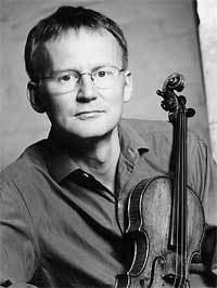 Thomas Bowes (violinist) thomasbowescomimagesTomMay2002midsizejpg