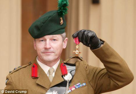 Tim Collins (British Army officer) Tim Collins Panorama documentary Yob threatens exSAS