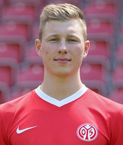 Tobias Schilk mediadbkickerde2013fussballspielerxl587733