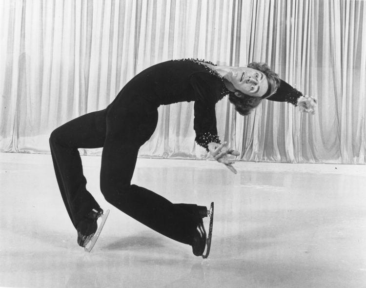 Toller Cranston Canadian figure skater Toller Cranston dies at 65 CTV News