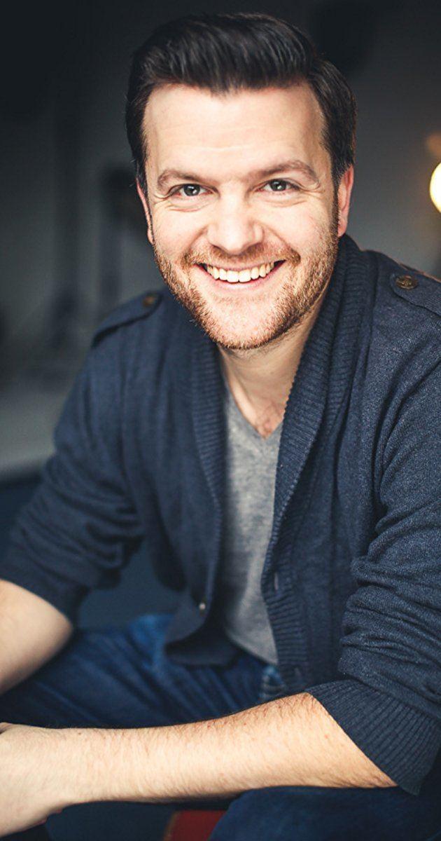 Tom Bennett (actor) iamediaimdbcomimagesMMV5BMTYzMDU4MTExM15BMl5