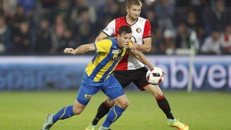 Tom Boere FC Ossaanvaller Tom Boere baalt van misser tegen Feyenoord Die