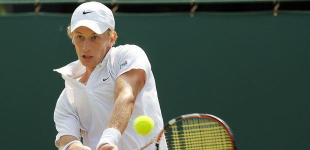Tom Farquharson (tennis) Tom Farquharson wins first pro singles title LTA