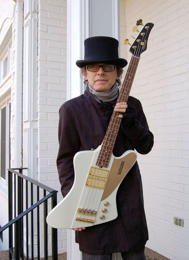 Tom Petersson Mike Lull Custom Guitars amp Guitar Works Tom Petersson