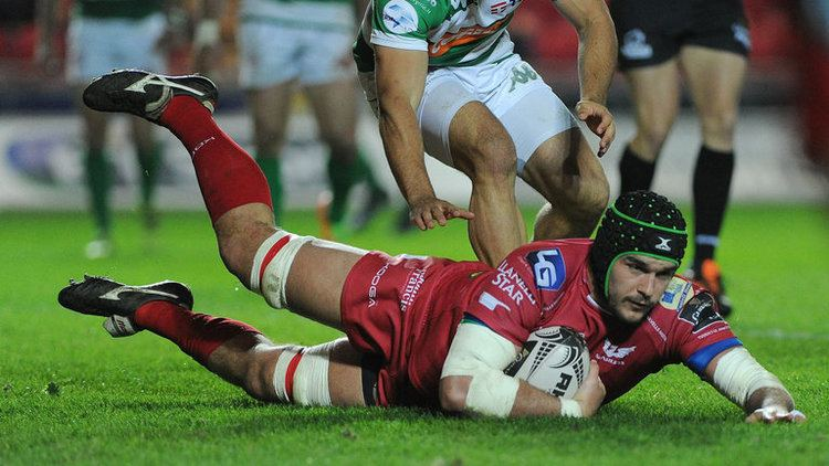 Tom Price (rugby union) Josh Macleod Tom Phillips Tom Price and Steffan Hughes sign new