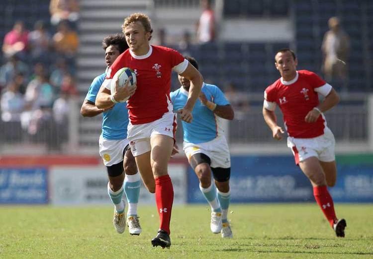 Tom Prydie Wales39 Tom Prydie breaks clear Rugby Union Photo