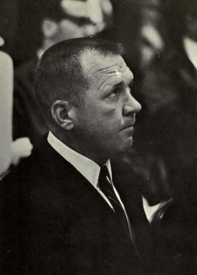 Tommy Bartlett (basketball) httpsuploadwikimediaorgwikipediacommons88