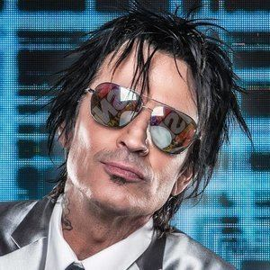 Tommy Lee httpsa2imagesmyspacecdncomimages038c66099