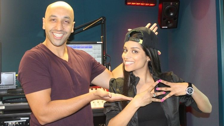 Tommy Sandhu IISuperwomanII shows Tommy Sandhu her best moves YouTube