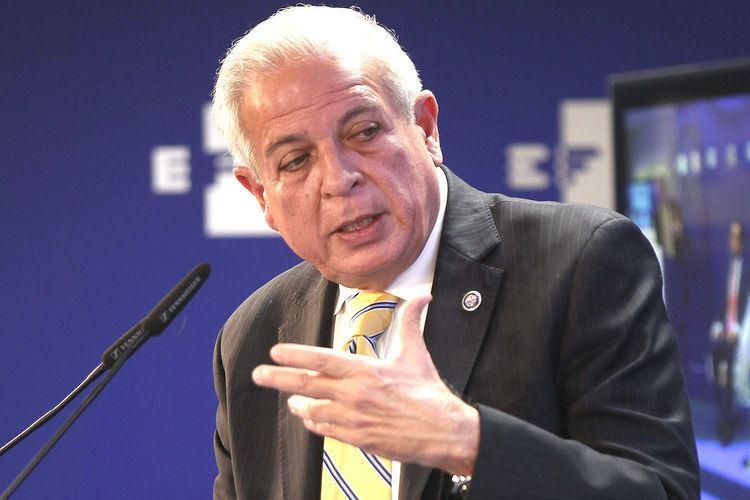 Tomás Pedro Regalado Elecciones Generales 2015 El alcalde de Miami pide una bajada de