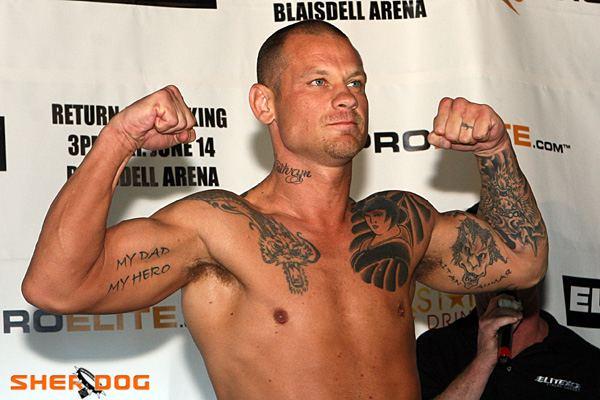 Tony Bonello Tony quotThe Gunquot Bonello MMA Stats Pictures News Videos