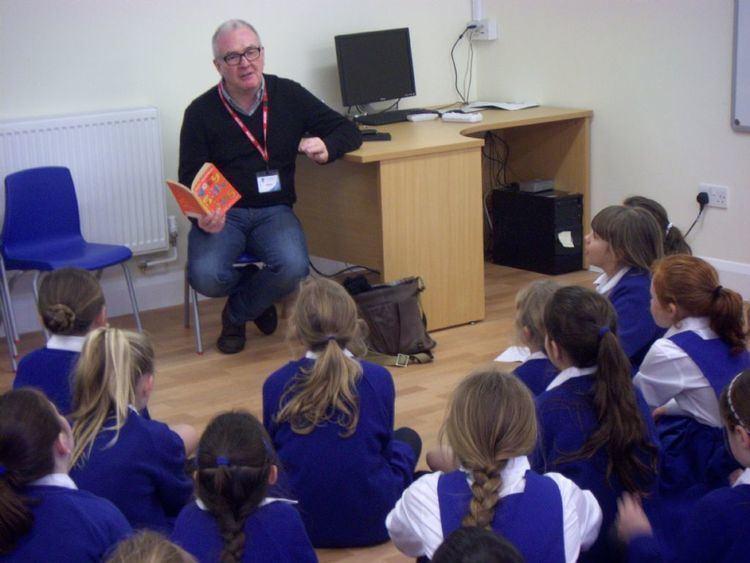 Tony Bradman Author Tony Bradman visits during Book Week Makewaves