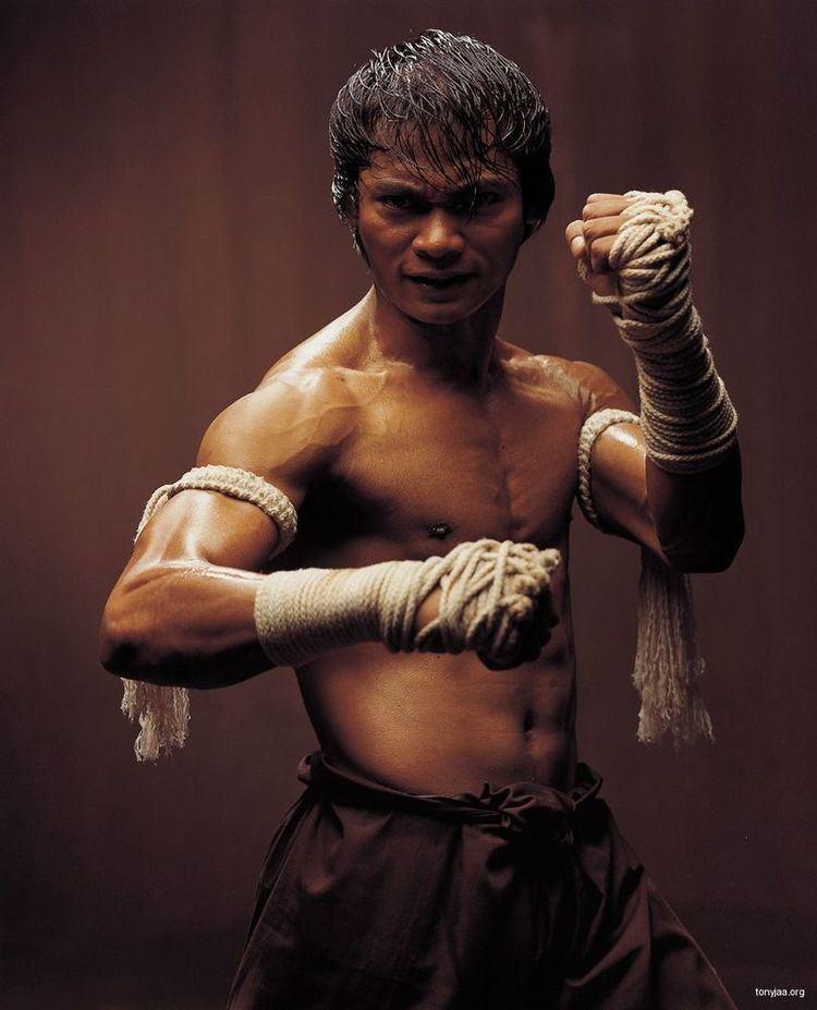 Tony Jaa I be strong armin39 throwin39 Tony Jaa elbows Best to Do