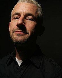 Tony McGuinness (English musician) httpsuploadwikimediaorgwikipediacommonsthu