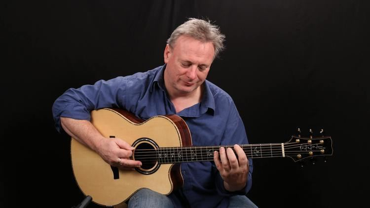 Tony McManus (musician) Celtic Guitar Lessons Learn to Play the Celtic Fingerstyle Guitar
