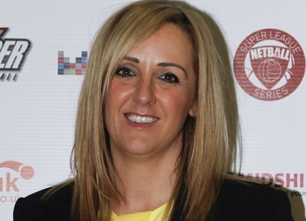 Tracey Neville England Netball make sensational swoop for Thunder Coach
