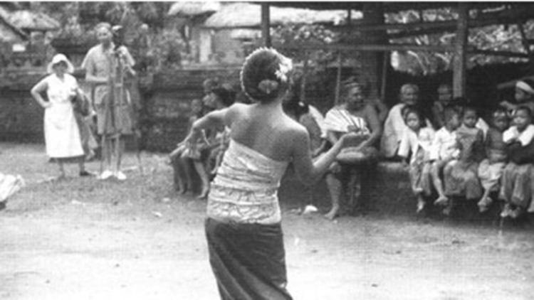 Trance and Dance in Bali httpsassetsmubicomimagesfilm35255imagew1