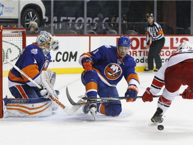 Travis Hamonic Cult of Hockey Oilers will try to get Hamonic deal done Friedman