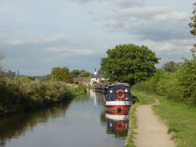 Trent and Mersey Canal httpsuploadwikimediaorgwikipediacommons44