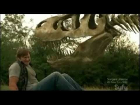 REVIEW TRAILER TRIASSIC ATTACK 2010 aka Dinosaur Skeletons vs