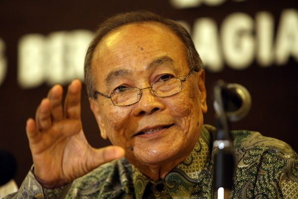 Tunku Abdul Aziz Ibrahim In Defense of Tunku A Aziz Din Merican the Malaysian DJ