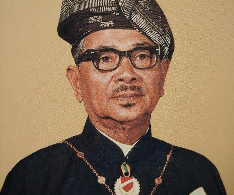 Tunku Abdul Rahman wwwthefamouspeoplecomprofilesimagestunkuabdu