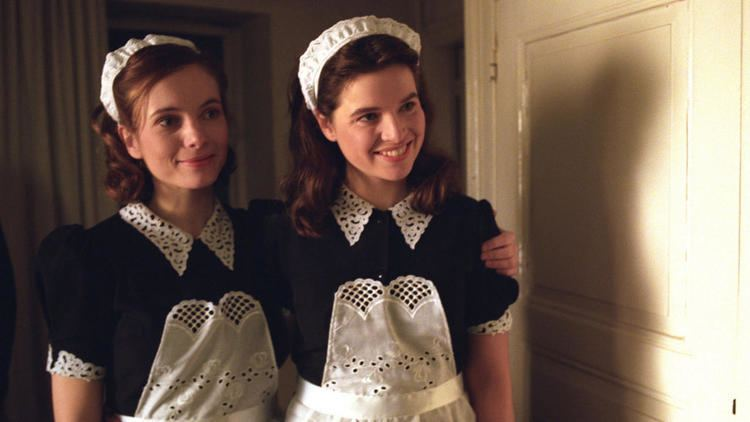 Twin Sisters (2002 film) Twin Sisters 2002 MUBI