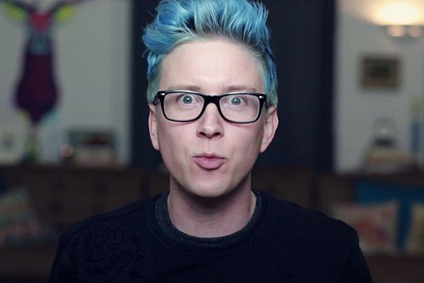 Tyler Oakley Tyler Oakley Wants a 39Hocus Pocus39 Sequel He Wants to Be