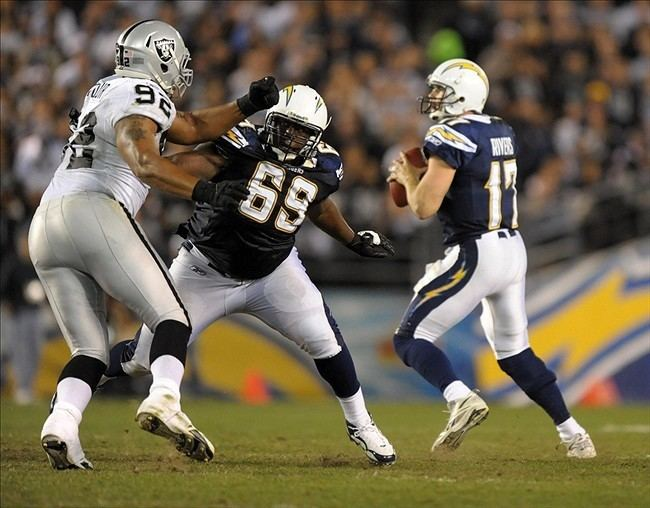 Tyronne Green Tyronne Green Expected To Be The Chargers Starting Left