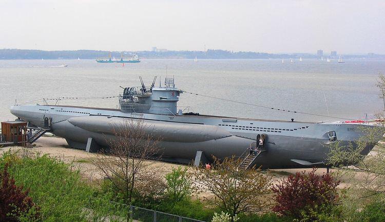 U-boat httpsuploadwikimediaorgwikipediacommonscc